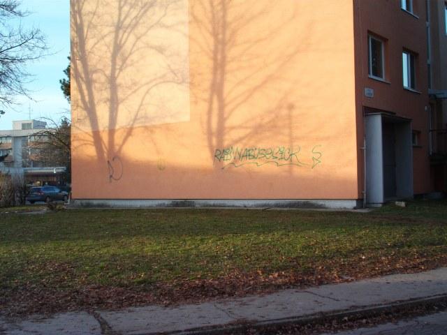 Odstránenie graffiti z plochy ošetrenej antigraffiti Trnava