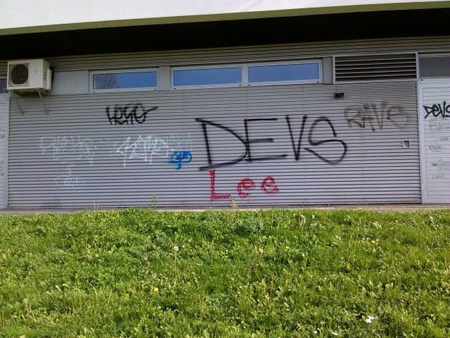 Vyčistenie od graffiti absencia anti-graffitové ochrany Trnava